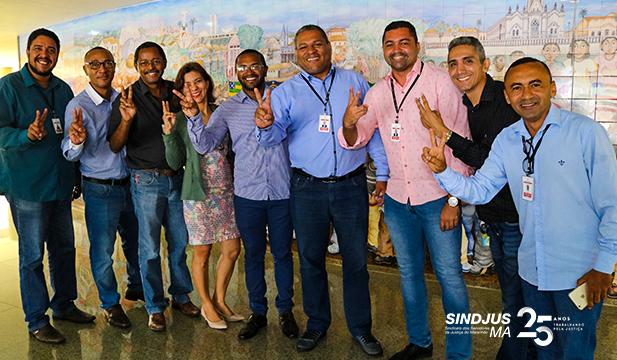 Servidores comemoram a aprovação do Projeto de Lei (PL) 018/2019, que reajusta os vencimentos dos servidores do Poder Judiciário do Maranhão em 2,94%