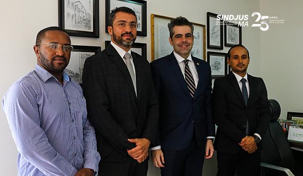 A Diretoria do Sindjus-MA reuniu-se com o deputado estadual Adriano Sarney (PV) após aprovação do Projeto de Lei 018/2019
