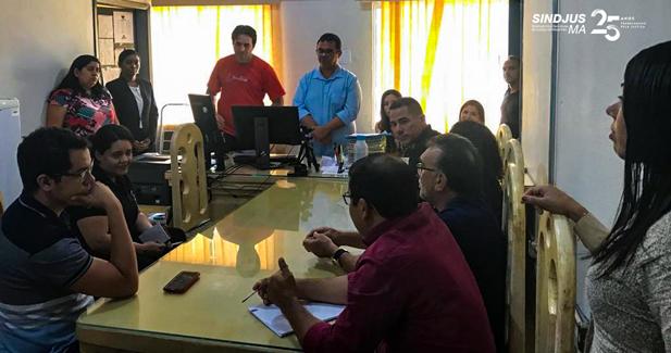 O presidente dos Sindjus-MA, Anibal Lins, se reuniu com os servidores da Comarca de Açailândia, onde se discutiu sobre Concurso de Remoção e Adoecimento no Ambiente de Trabalho
