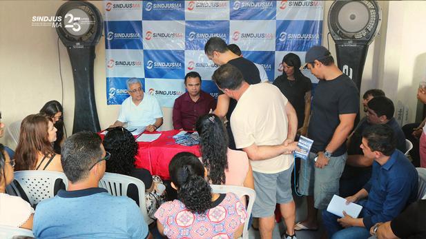 Servidores acompanharam a contagem dos votos durante a Assembleia Geral para referendar a Comissão Eleitoral que conduzirárá as eleições gerais do Sindjus-MA que acontecerão em 2020