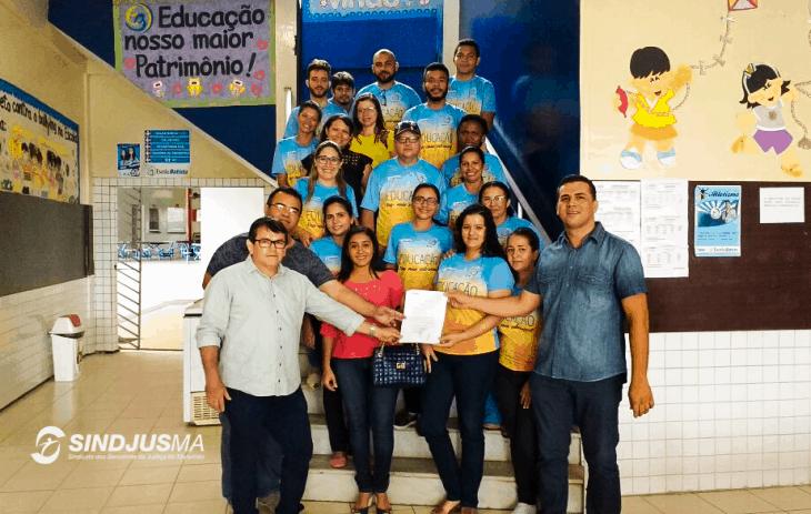 Representantes do Sindjus-MA com equipe da Escola Batista de Bacabal