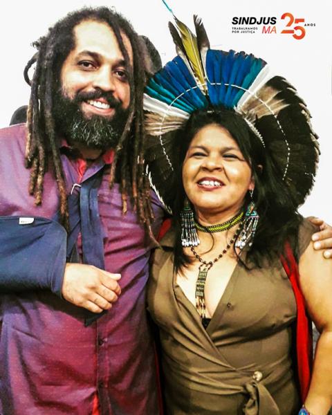 Escritor Francisco Aldebaran com a líder indígena maranhense Sônia Guajajara