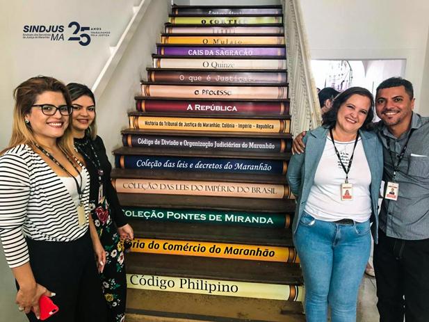 """Servidores da Biblioteca """"Desembargador José Antonio de Almeida Silva"""" do Tribunal de Justiça do Maranhão"""