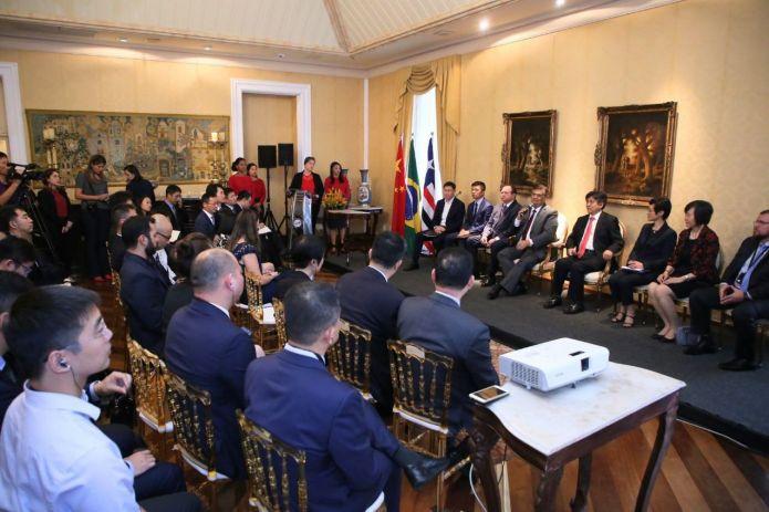 Comitiva chinesa foi recepcionada no Palácio dos Leões nesta quinta-feira (15). Foto: Gilson Teixeira/Secap