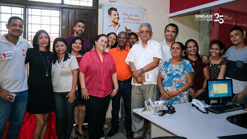 Manoel Neris (camisa laranja) com família Sindjus-MA