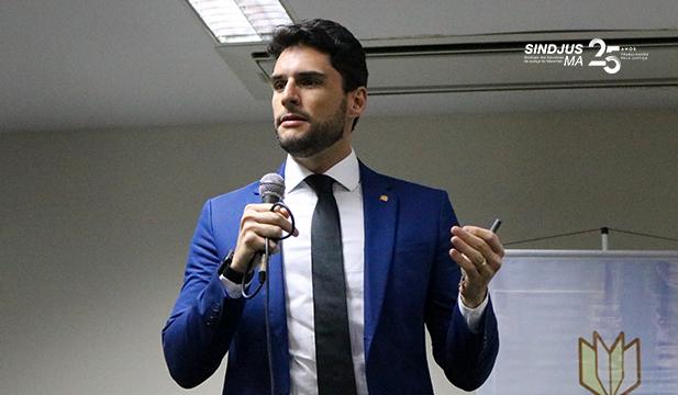 O juiz José Faustino Ferreira, do Tribunal de Justiça de Pernambuco (TJPE), apresentou o 'Painel de Inteligência Artificial'