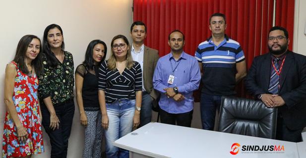 A diretoria do Sindjus-MA juntamente com o departamento jurídico da entidade reuniu-se nesta quinta-feira (20) com alguns servidores do judiciário para discutir suposto acúmulo de cargos