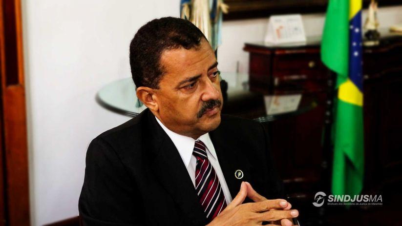 O presidente do TJMA, desembargador José Joaquim Figueiredo dos Anjos