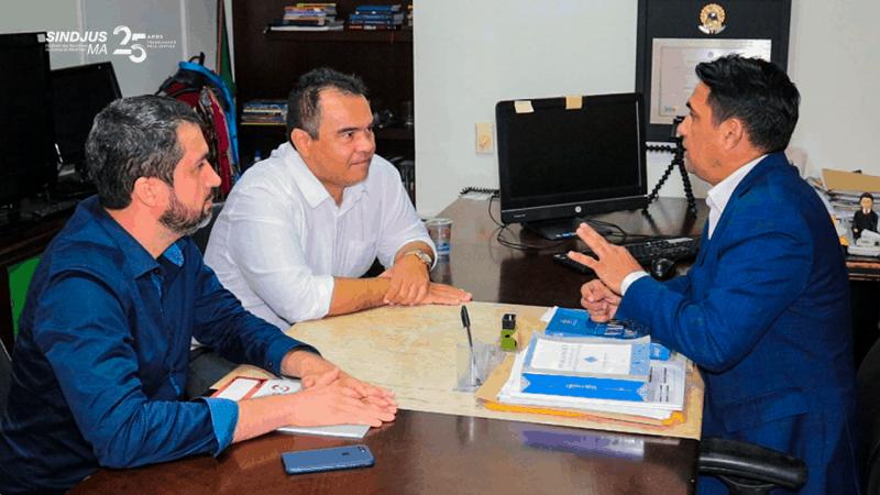 O presidente do Sindjus-MA, Aníbal Lins, e o secretário-geral, Márcio Luís Andrade, foram recebidos pelo deputado Wellington, membro da Comissão de Recesso Parlamentar da Assembleia Legislativa