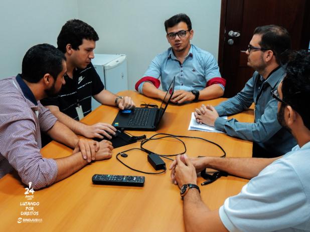 Diretores d Sindjus-MA em reunião com o diretor Financeiro do TJMA, Amudsen Bonifácio (centro)