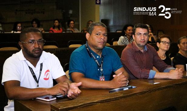 O vice-presidente do Sindjus-MA, George Ferreira, o secretário de Esporte e Lazer Marcos Gilson, e o secretário geral Márcio Luís Andrade, acompanharam a sessão do Plenarinho da Assembleia