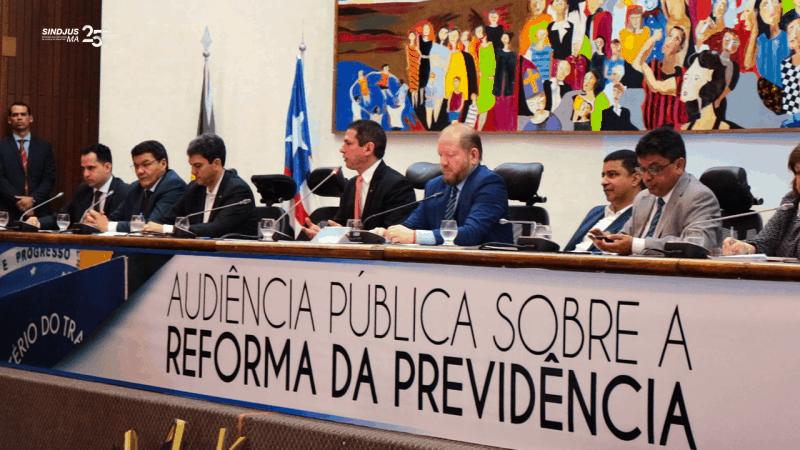 Presidente da Comissão Especial que discute a Reforma da Previdência na Câmara Federal, deputado Marcelo Ramos (gravata vermelha) adiantou pontos polêmicos que ficarão de fora da relatoria