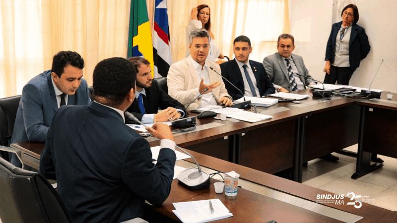 Reunião da Comissão de Constituição de Justiça da Assembleia Legislativa do Maranhão (CCJ) onde tramitam os PLs 01 e 18 que tratam de reajuste salarial para os servidores do TJMA