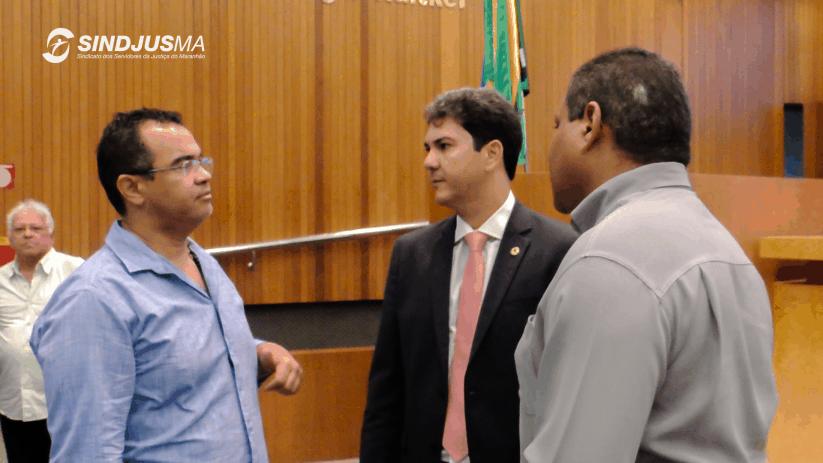 O presidente do Sindjus-MA, Aníbal Lins; deputado Eduardo Braide (PMN), e o diretor de Esportes do Sindicato, Marcos Gilson Amaral