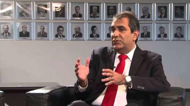 Advogado Cezar Britto, ex-presidente do Conselho Federal da Ordem dos Advogados do Brasil, representa os servidores, por meio do Sindjus-MA, nos Tribunais Superiores