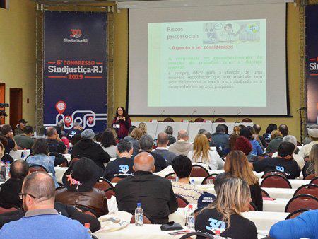 """6º Congresso do Sindjustiça-RJ destaca saúde do servidor na palestra """"Saúde e condições de trabalho"""""""