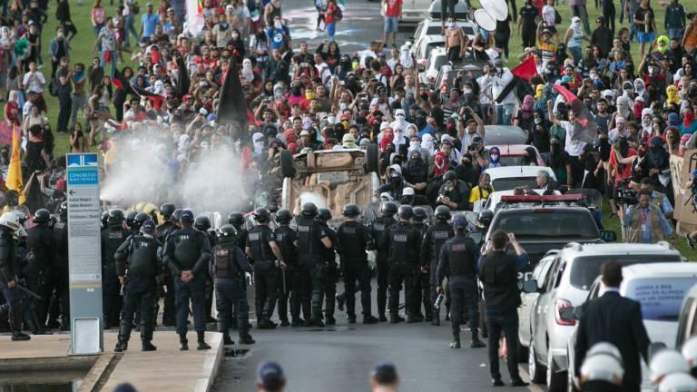 Manifestações contrárias a aprovação da pec 55 marcaram o dia de votação