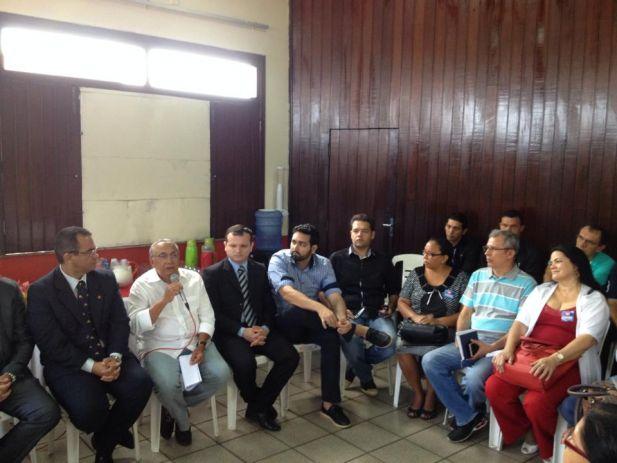 O candidato a senador Gastão Vieira (PMDB) apresentou suas propostas de campanha e ouviu reivindicações dos dirigentes do SINDJUS-MA.