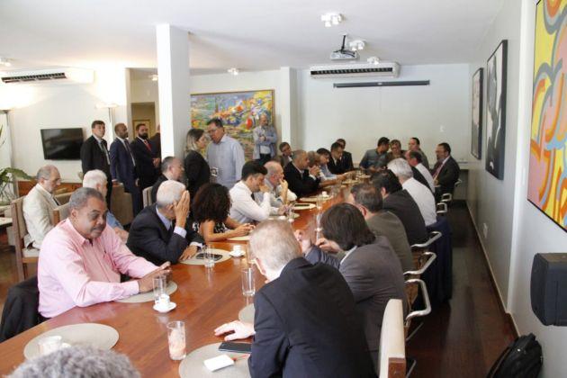 Lideranças sindicais celebram aceno de Rodrigo Maia para abertura de diálogo com Congresso Nacional
