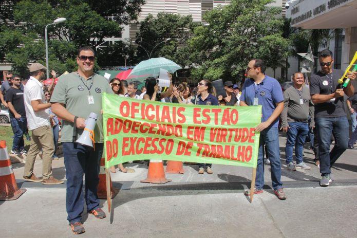 Oficiais de Justiça do DF estão em greve desde o dia 1º de março