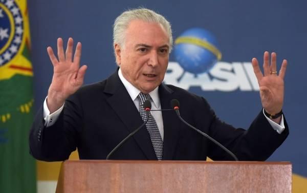 O decreto assinado por Temer viola ainda as diretrizes estabelecidas pela Lei Brasileira de Inclusão (LBI) e pela Convenção Internacional da Pessoa com Deficiência